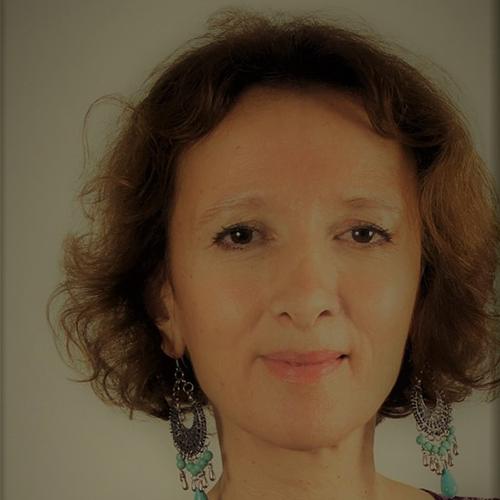 photo praticien Nina BENHASSINE Psychologue